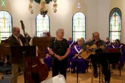 trinitys-%22peter-paul-and-mary%22-bill-kathy-steve-singing-%22god-rest-you-merry-gentlemen-%22